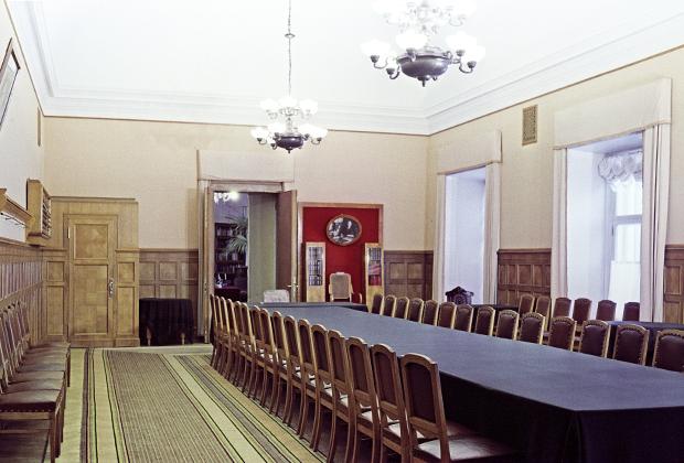 Зал заседаний Совета Народных Комиссаров, примыкающий к кабинету Фото: Михаил Кулешов / РИА Новости